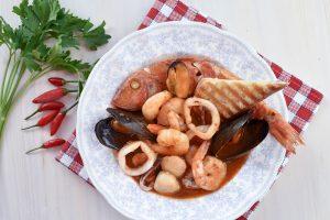 Cacciucco alla livornese (Livorno-style fish stew)