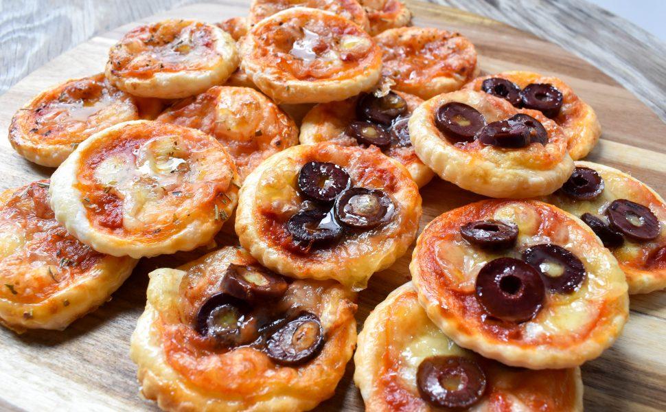 Pizzette di sfoglia (puff pastry mini pizzas)