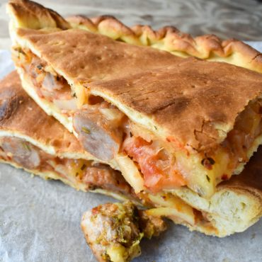 Schiacciata Siciliana 'di patate e salsiccia' (of potato and pork sausage)