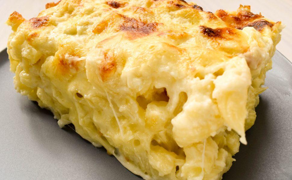 Creamy cauliflower pasta al forno (pasta bake)