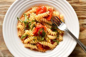 Fusilli pasta 'con pomodorini e basilico' (with cherry tomatoes and basil)