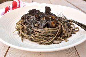 Linguini pasta 'al nero di seppia' (with black cuttlefish ink)