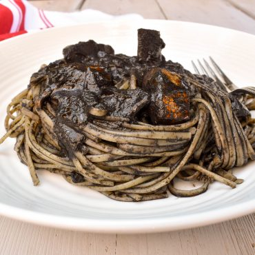 Linguine pasta 'al nero di seppia' (with black cuttlefish ink)