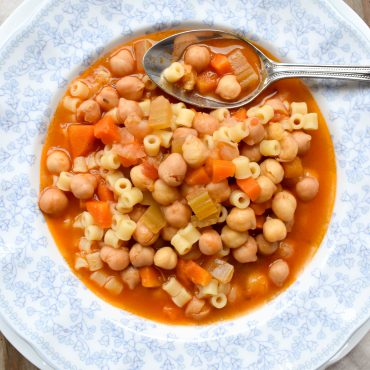 Pasta 'e ceci' (with chickpeas)
