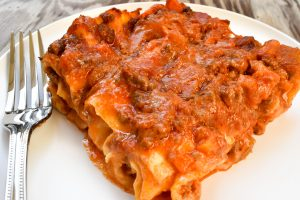 Traditional meat lasagne