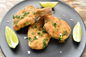 Costolette di agnello impanate e fritte (fried crumbed lamb cutlets)