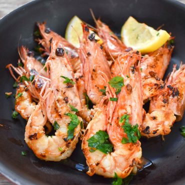 Gamberi aglio e peperoncino (Garlic and chilli prawns)