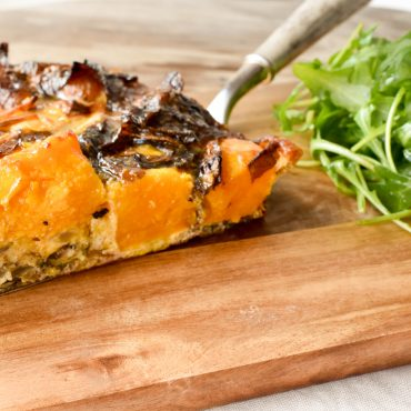 Baked frittata with pumpkin and radicchio