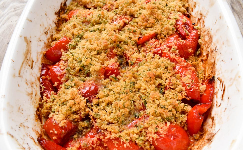Peperoni al forno (oven baked capsicum/peppers) with aromatic minty breadcrumbs