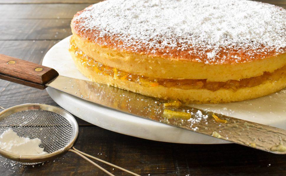 Ciambella con marmellata all'arancia (orange cake with marmalade)