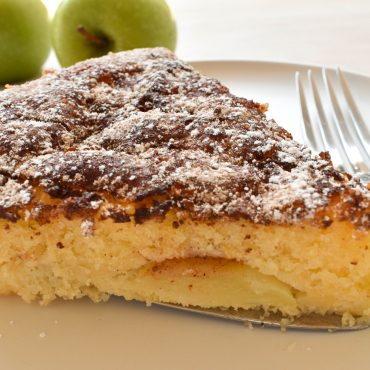 Torta morbida di mele e cannella (moist apple and cinnamon cake)