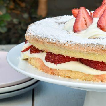 Torta della nonna (Nonna's sponge cake) with strawberries and cream