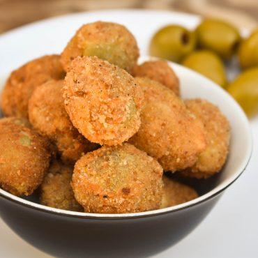 Olive Ascolane (meat stuffed olives)