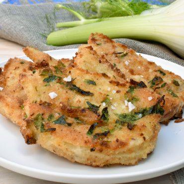 Oven-baked 'finocchio impanato' (crumbed fennel)