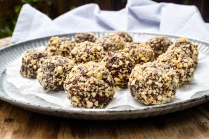 Chocolate and hazelnut tartufi balls
