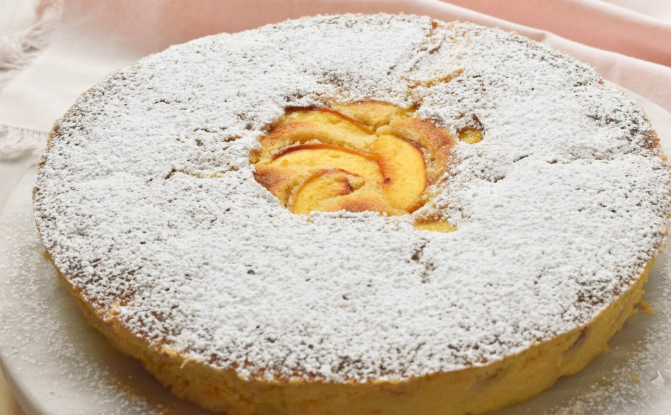 Torta con pesche noci (nectarine cake)