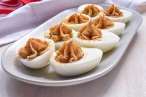 Uova alla diavola (Italian-style devilled eggs)