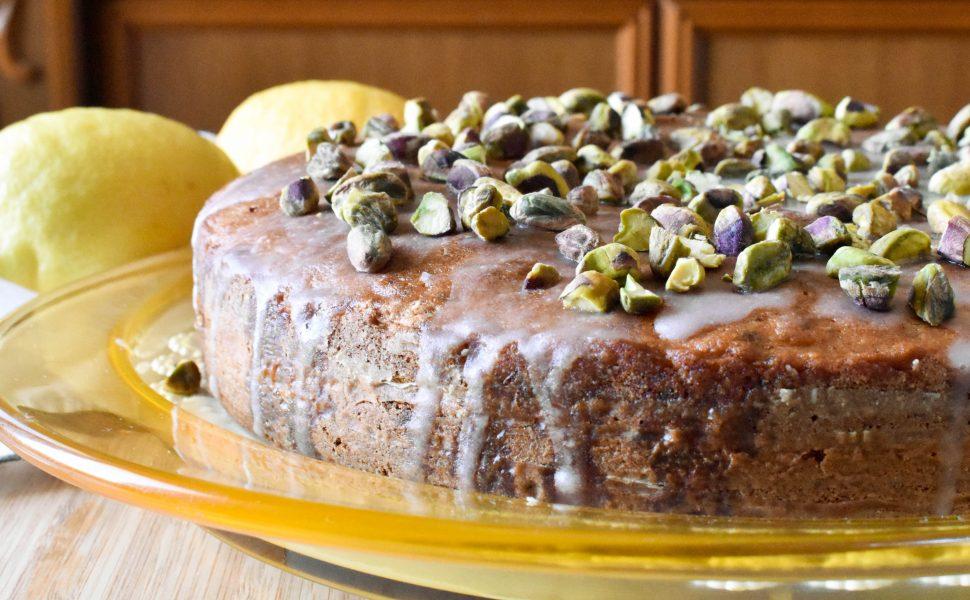 Pistachio and lemon cake