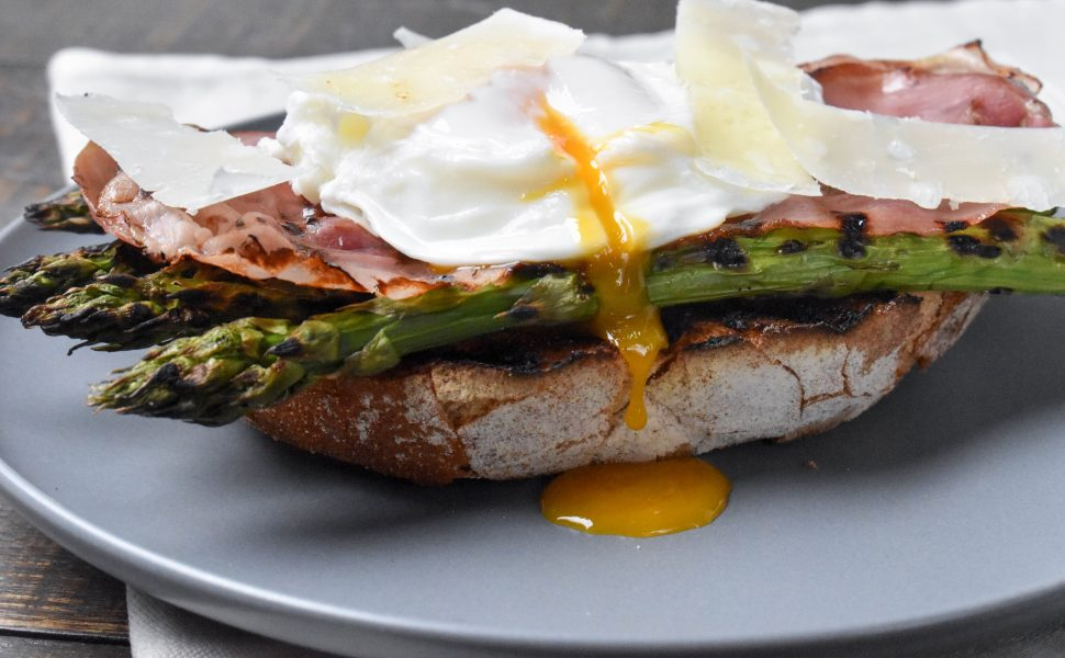 Italian style poached eggs