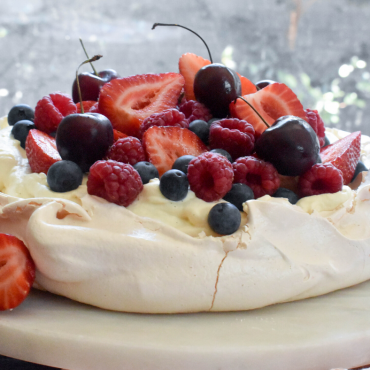 Love Pavlova? Seriously amazing Pavlova recipe and tips for perfection!