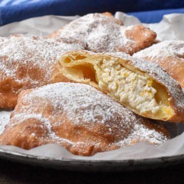 Sicilian cassatelle with ricotta