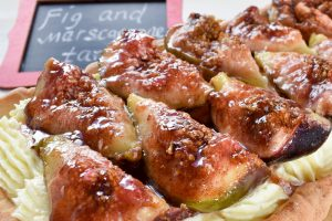 Caramelised fig and mascarpone tart